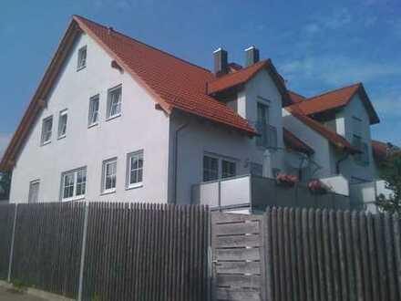 Für Platzbedürftige: Großzügige Doppelhaushälfte mit Garten und Garage