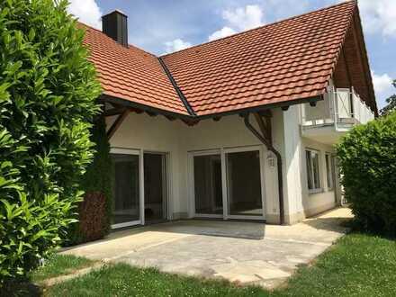 Gepflegtes Haus mit sieben Zimmern und EBK in Stockach