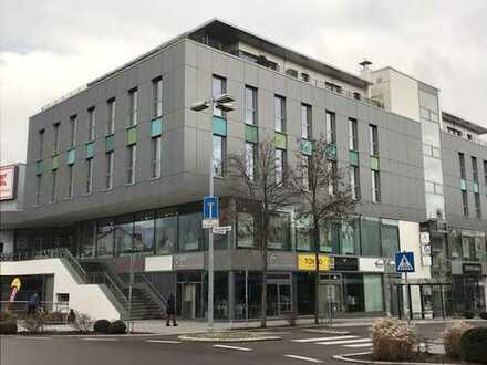 ***694 m² Büro-/Praxisfläche mit imposanter Fensterfront im Calwer Carrée ***