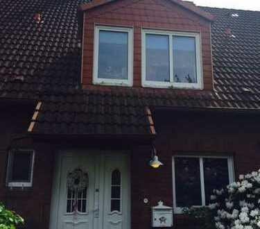 Ansprechendes 4-Zimmer-Reihenhaus mit beheizten Vollkeller und EBK in Kaltenkirchen