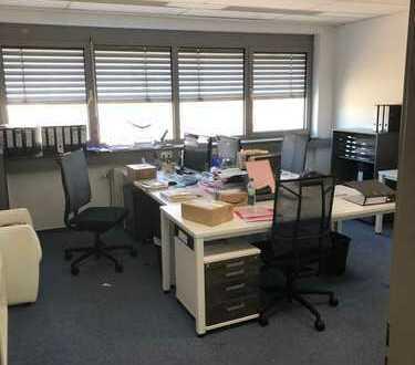 Sehr helle , möbilierte Büroräume in Nürtinger Industriegebiet zu vermieten