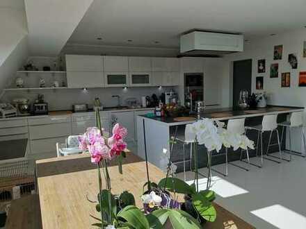 1.700 €, 140 m², 5 Zimmer