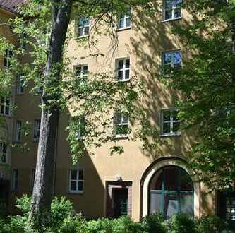 2-Zimmer-Wohnung im stilvollen Bauensemble der 1930er Jahre ab 01. Mai 2019 bezugsfrei!