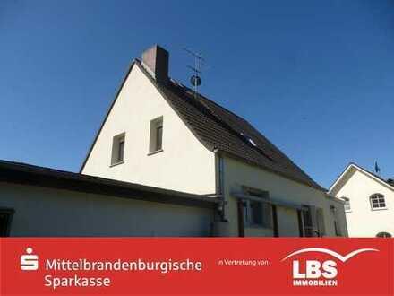 Solides Einfamilienhaus mit schönem Grundstück