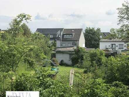 Haus mit Anbau, Garagen- und Nebengebäude zur Eigennutzung oder Kapitalanlage