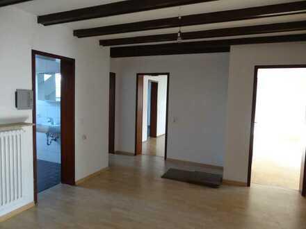 5-Zi Whg ca. 124 m² mit Balkon