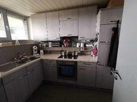 Gepflegte 2-Zimmer-Wohnung mit Balkon und Einbauküche in Riedenburg