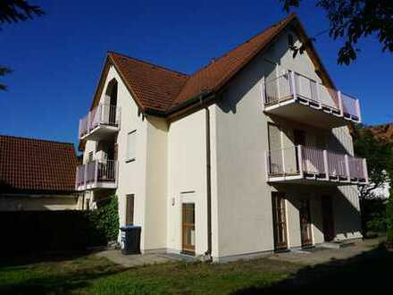 7 Zi. DHH (WEG) mit ca. 158m² Wohn-/Nutzfl. inkl. Garten, EBK und 2 Pkw-Stellpl.!