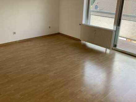 2,5 Zimmer, 60qm, Küche, Diele, Bad, Balkon mit Rheinblick, Dachgeschoss, 3.OG, 50769 Köln Merkenich