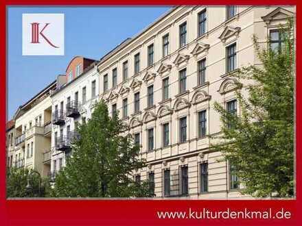 Stuckaltbau in urbaner Lage | Direkt im Kiez | Denkmal-AfA | Parkett | Balkon | Kernsanierung