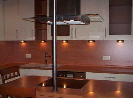 Sanierte 3-Zimmer-Wohnung mit Balkon und EBK in Schwarzenbruck von Privat