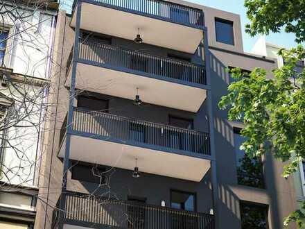 Kernsanierte Dachgeschosswohnung samt Sonnen-Balkon und Fußbodenheizung