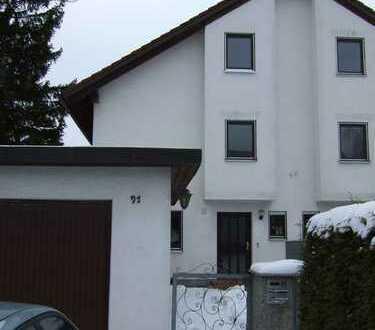 Familientraum in der Gartenstadt, sonnige Doppelhaushälfte in zentraler Lage von privat