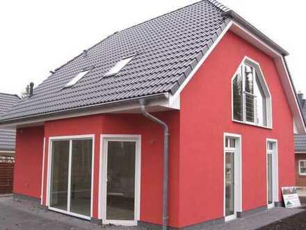 Schönes, geräumiges Haus mit drei Zimmern in Berlin, Mahlsdorf