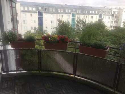 Helle, geräumige zwei Zimmer Wohnung in München, Bogenhausen