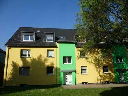 Schöne renovierte DG-Wohnung in Citynähe wartet auf Sie