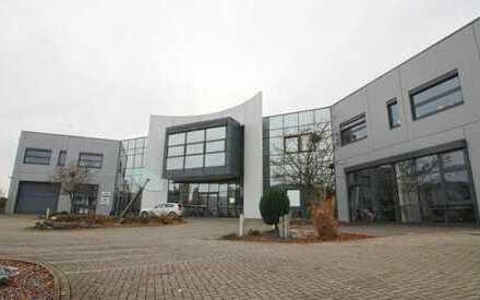 Repräsentative Büros in modernem Gebäude am Airport Dortmund gelegen - Teilbar ab 74 qm