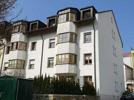 Helle, freundliche 3-Zimmer DG-Wohnung mit WIntergarten