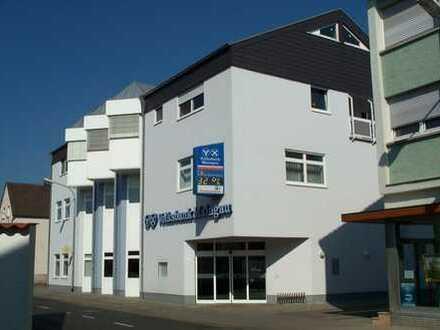 Schöne große Büroräume mit Klimaanlage direkt im Zentrum von Hainburg (nur 5,20 € /qm)