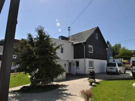Wilnsdorf OT Niederdielfen-geschmackvoll modernisiertes Wohnhaus mit sonnigem Garten und viel Platz