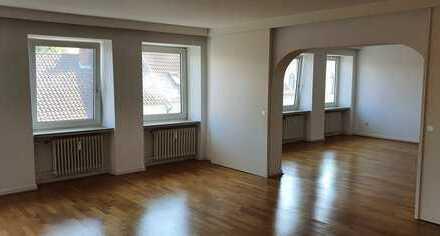 HANNOVER-SÜDSTADT: zentrale 163 m² Etagen-Wohnung, Kamin, Einbauküche, Balkon nahe Maschsee, Rathaus
