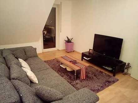 Gemütliche, möblierte 2-Zimmer-Wohnung mit Balkon und EBK