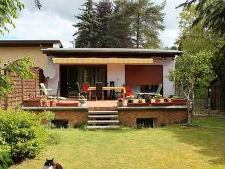 Einfamilienhaus in Kladow in idyllisch grüner Lage und mit Entwicklungsmöglichkeiten