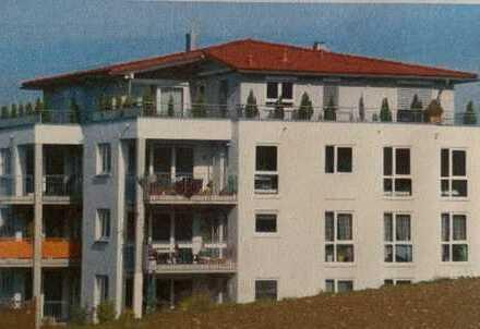 Helle 4-Zimmer-Wohnung mit Balkon, unverbautem Golfplatzblick, EBK, in Ortsrandlage