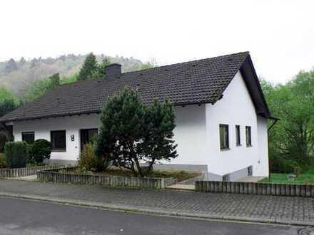 Einfamilienhaus mit offenem Kamin und Sauna in Obernheim-Kirchenarnbach (bei Landstuhl)