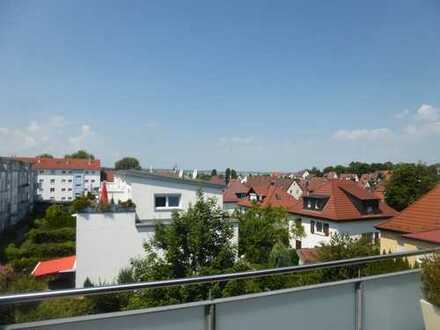 Schöne sonnige 4-Zimmer Penthouse Wohnung mit Terrasse in Stuttgart, Weilimdorf