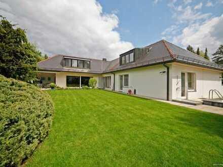Rarität! Bogenhausen, großzügige, elegante Villa mit großem Garten, Pool, Einliegerwohnung im OG, 3