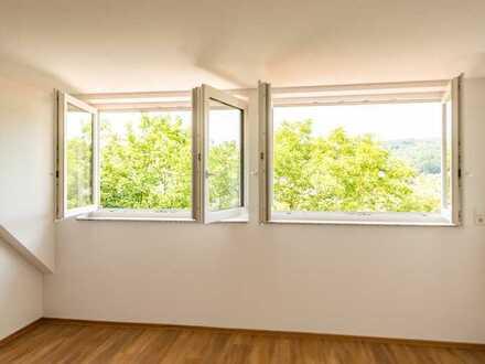 Bad Soden-Salmünster: Gemütliche 3 Zimmer-Dachgeschoss-Wohnung mit tollem Ausblick in begehrter Lage