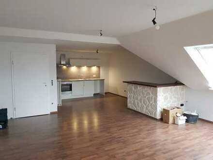 Erstbezug nach Sanierung: attraktive 2-Zimmer-Dachgeschosswohnung mit EBK und Balkon in Ganderkesee