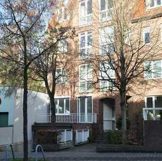 Außergewöhnliche Terrassenwohnung in gefragter Lage von Düsseldorf-Unterbach.