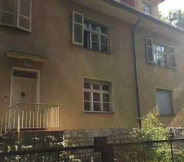 Schöner Altbau mit acht Zimmern und Garten in Berlin, Zehlendorf