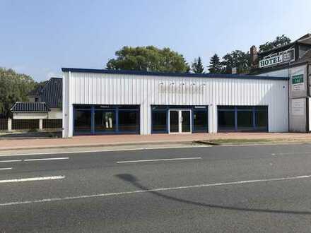 vermietete Gewerbehalle als Anlageobjekt zu verkaufen