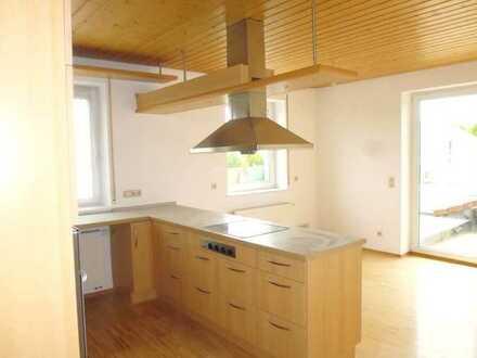 Gewerbliche Räume mit großer Küche, Badezimmer und Dachterrasse in der Wachtelhau zu verpachten