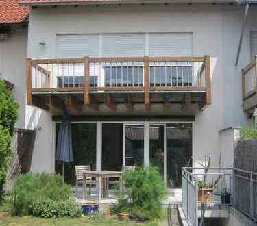 Reihenmittelhaus 127 qm, 2 Bäder, Gäste-WC, inkl Einbauküche und Garage
