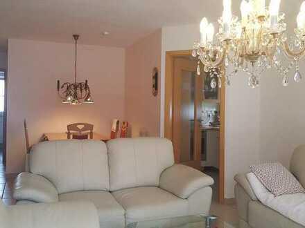 Gepflegte 3-Zimmer-Wohnung mit Balkon und EBK in Gäufelden