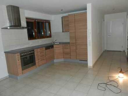 Modernisierte 2,5-Zimmer-EG-Wohnung mit Terasse und EBK in Plochingen