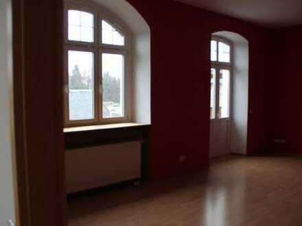 Große, gepflegte 5-Zimmer-Wohnung mit Balkon und EBK in Marktredwitz, direkt am Auenpark