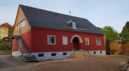 Erstbezug: freundliche 3-Zimmer-DG-Wohnung mit Balkon in der Nähe von Schloss Wackerbarth