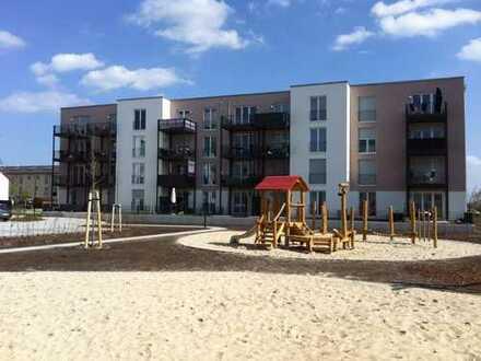 BRECHT-HÖFE / Schönefeld - Geräumige 2,5-Zimmer Wohnung mit Mietergarten