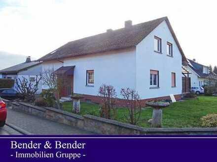 Geräumiges Ein- bis Zweifamilienhaus mit Garage und Garten in ruhiger Lage!