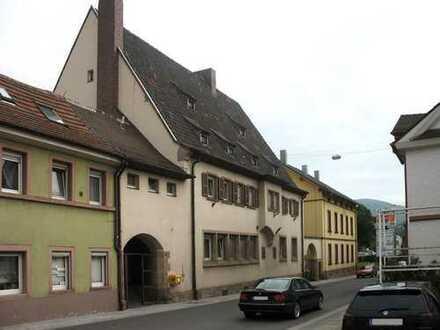 Gepflegtes Wohn- und Geschäftshaus in zentraler Lage