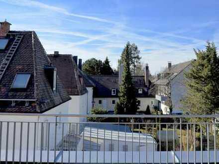 *Penthouse* sonnige 3-Zi-Whg., große Dachterrasse, Obermenzing in S-Bahn-Nähe