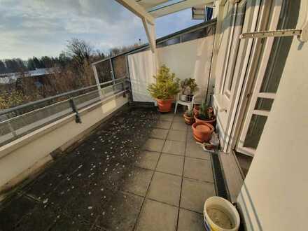 Gelegenheit! Schöne S-W-Dachterrasse mit freiem Blick in ruhiger Wohnlage!
