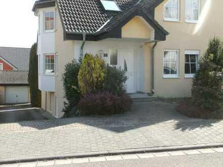 Gepflegte 5-Zimmer-Maisonette-Wohnung mit Garage und Außenstellplatz in Saulheim
