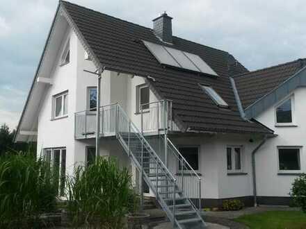 Helle,großzügige Dachgeschosswohnung mitten im Grünen