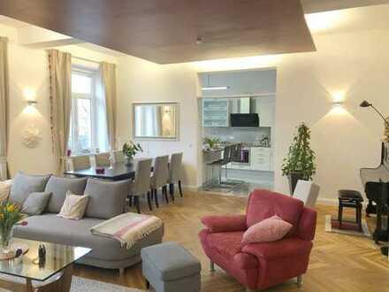 Luxuriöse 6-Zimmer-Wohnung mit EBK und 2 Balkonen
